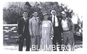 Sarah Altschuler with her sons Mossie, Leslie, Meyer and Mannie in Bloemhof.
